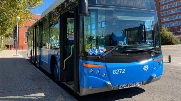 Un joven de 16 años ha denunciado a un conductor de la EMT que la echó de un autobús de Madrid