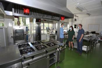 El Ayuntamiento de Leganés ha colaborado en la preparación de las cocinas para la puesta en marcha del curso