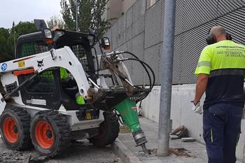 Ya han arrancado las obras para el ensanchamiento de la acera