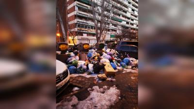Lee toda la noticia 'La basura inunda Zarzaquemada'