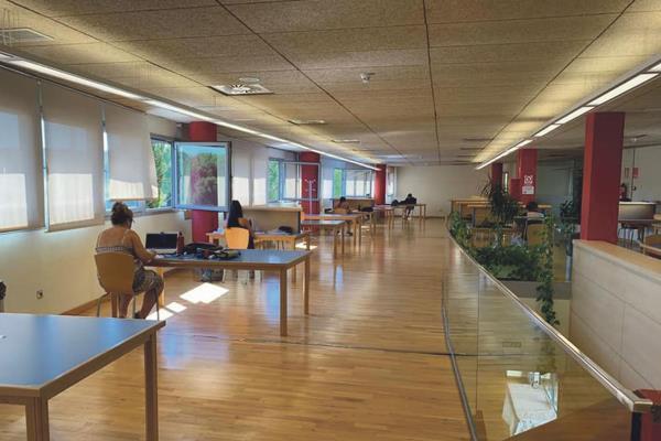 La Biblioteca Municipal de Arroyomolinos, ya abierta al completo