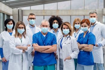 Los sindicatos tachan de insuficiente la renovación de los profesionales temporales
