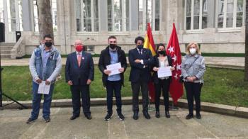 Los estudiantes han recibido un certificado por la Agencia de Vivienda Social