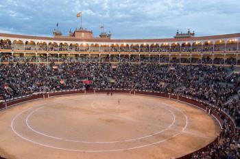 El Gobierno regional y el ayuntamiento de la capital firman un acuerdo que eleva los toros a la categoría de patrimonio cultural