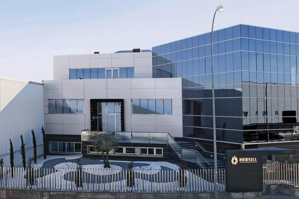 La empresa Hersill, de Móstoles, a la cabeza en la producción de respiradores en España