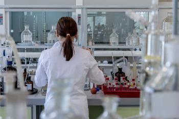 Con una aportación de 10.000 euros ayuda a cumplir los objetivos del estudio: lograr terapias personalizadas contra el Covid – 19