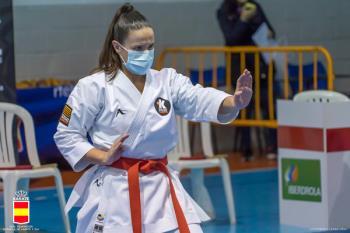 La torrejonera es cinturón negro 2º Dan de karate y primer Dan de kobudo