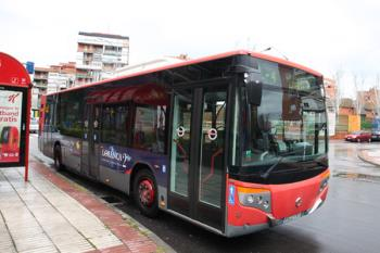 Los días 1 y 2 de noviembre los autobuses pasarán cada 30 minutos