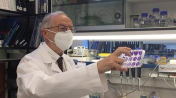 Luis Enjuanes, virólogo del CSIC, dirige el desarrollo de este prototipo, pionero en el mundo de la sanidad