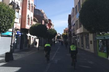 Los agentes de policía comenzarán a patrullar este fin de semana en bicicletas y motocicletas para tener mayor acceso a zonas peatonales