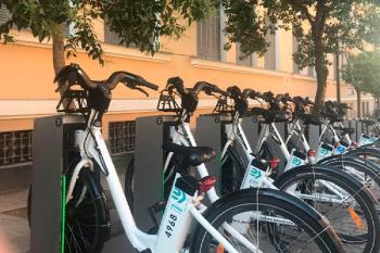 El servicio de alquiler de bicicletas estará disponible en la glorieta del Marqués de Vadillo
