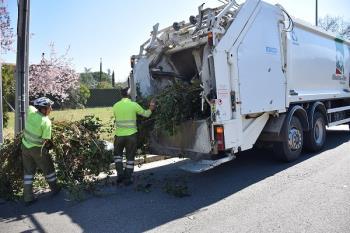 Villaviciosa de Odón vuelve a establecer un servicio municipal gratuito de retirada de poda