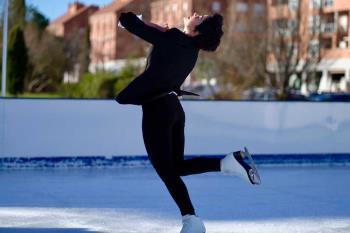 La patinadora realizó una exhibición en la pista de Camilo José Cela