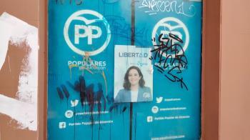 Los populares de Alcorcón han denunciado que su sede en el centro de la ciudad está llena de pintadas