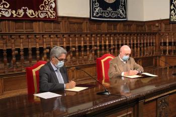 Ambas instituciones han firmado, en el Paraninfo, un protocolo para actuar conjuntamente