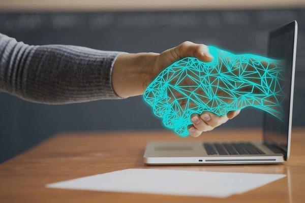 Isidra es un chatbot que emplea la inteligencia artificial para perfeccionar sus respuestas