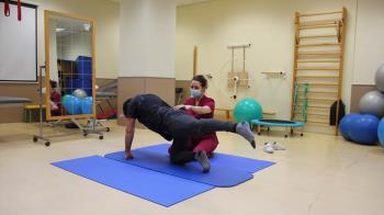 La Clínica Universitaria inaugura la Escuela de Espalda para adolescentes, jóvenes y adultos
