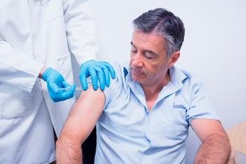 Las administraciones han comprado muchas más dosis de vacunas que otras temporadas