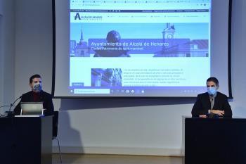 El alcalde y el concejal de Innovación han presentado el nuevo portal municipal esta mañana