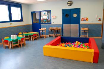 La Comunidad de Madrid prioriza el regreso a las aulas de los menores cuyos progenitores trabajen fuera del domicilio