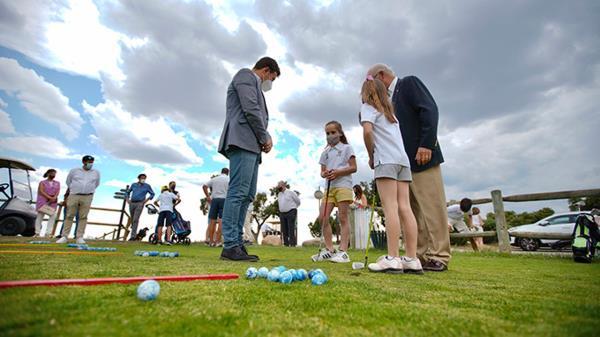 El consistorio ha firmado un convenio con Nuevo Club de Golf de Madrid