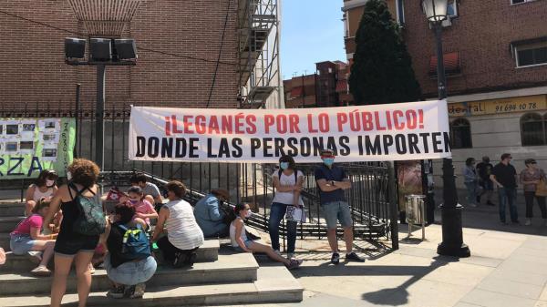 También se han manifestado por la falta de servicios públicos del Ayuntamiento