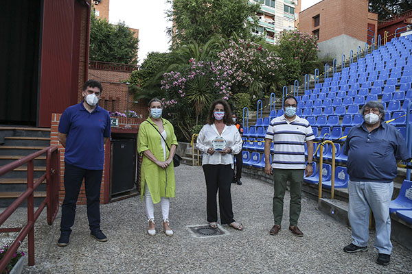 En el acto se entregó el I Premio Legaynés a la diputada del PSOE en la Asamblea de Madrid, Carla Antonelli
