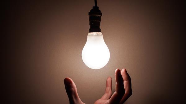 Les cortan la luz a un centenar de okupas en Fuenlabrada