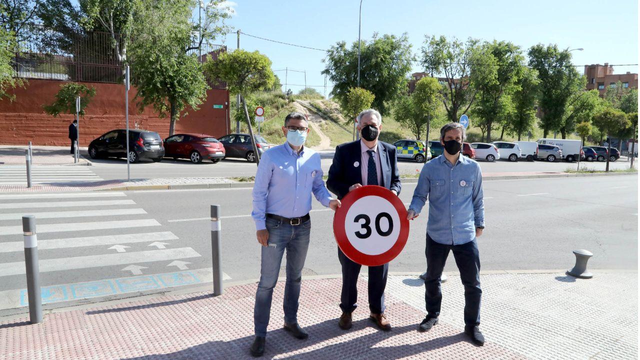 La velocidad se ha reducido a 30 km/h en vías de un único carril por sentido de circulación.