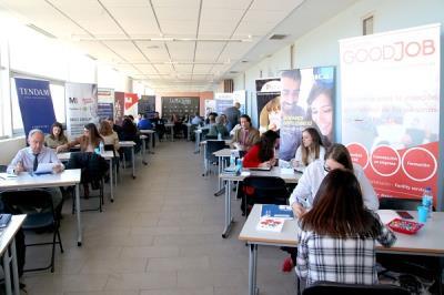 Lee toda la noticia '¿Buscas trabajo? Llega la I Feria virtual del Empleo y el Emprendimiento'