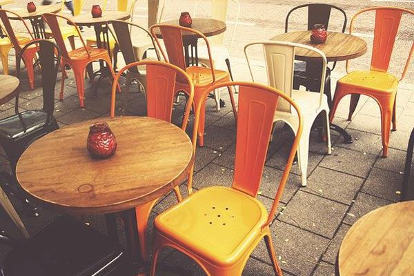 Los hosteleros majariegos podrán duplicar su zona de terraza