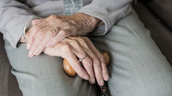 Los mayores de Leganés transmiten mensajes de ánimo a sus vecinos