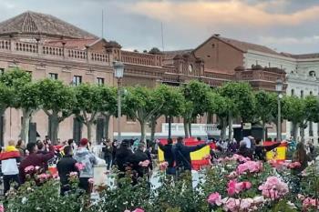 El PSOE acusa al PP y VOX de alentarlas mientras los partidos de derechas afirman que se trata de protestas espontáneas