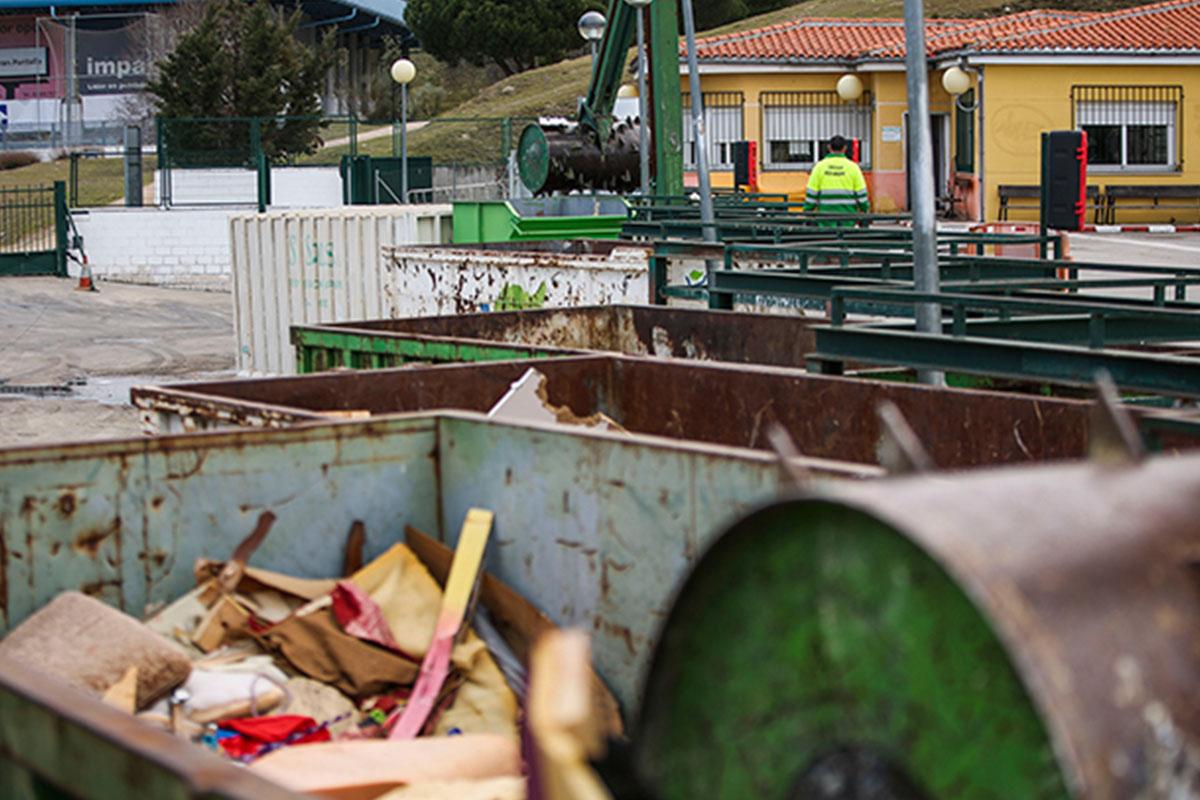 Los Puntos Limpios de el Abajón y el de Monte Rozas recibirán a los vecinos con un protocolo para evitar aglomeraciones