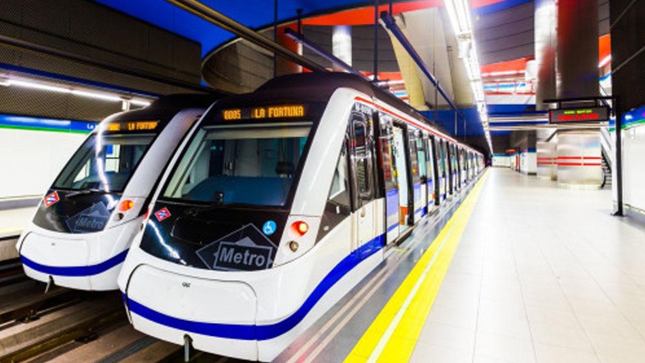 """La asociación de vecinos indica que se han cambiado los trenes """"por otros más antiguos"""""""