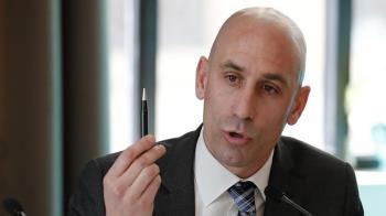 """El presidente de la RFEF está acusado de """"una campaña de hostigamiento contra clubes de la Liga Iberdrola"""""""