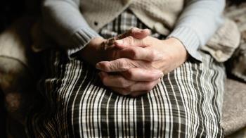Con esa cifra, se prorrogarán cuatro contratos de gestión del servicio de atención a personas mayores dependientes en Madrid capital y en Villa del Prado