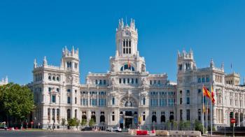 Pese a la caída de ingresos debido a la COVID-19, el Ayuntamiento cerró con un remanente de tesorería de 877 millones de euros