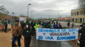 La protesta tuvo lugar el 25 de abril en las calles del barrio de Parla Este