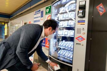 El suburbano ya cuenta con máquinas expendedoras para ofrecer protecciones a sus usuarios, entre las que destacan mascarillas con 10 usos por 3 euros