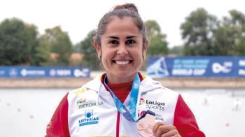 La deportista ribereña fue reconocida por la Federación Madrileña de Piragüismo