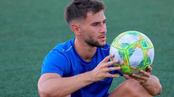 El delantero encamina su futuro en Zaragoza