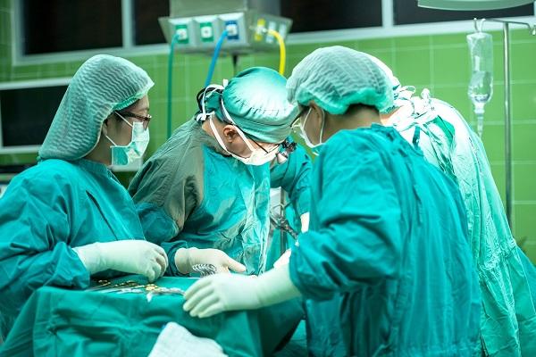 Con puestos en enfermería, auxiliares administrativos, fisioterapeutas, auxiliares en farmacia y más