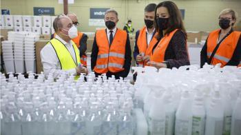 La Comunidad de Madrid ha presentado todo el material anticovid que se utilizará durante la jornada electoral del 4 de mayo