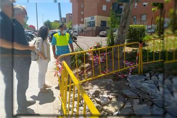 Las obras llevan unas semanas en funcionamiento acondicionando la vía pública para móviles y personas