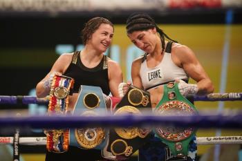 La boxeadora de Torrejón dignificó el combate tras los diez asaltos por el título mundial de peso ligero