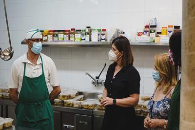 Lee toda la noticia 'Móstoles distribuye comida a 1.045 personas vulnerables a diario'