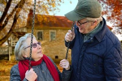 Lee toda la noticia 'Móstoles homenajea a sus mayores en una entrega de premios de escritura y fotografía'