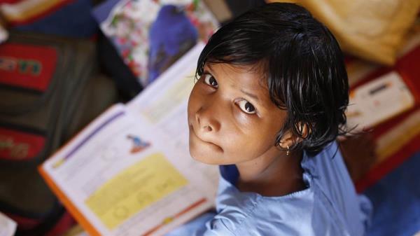 Busca prevenir situaciones de riesgo para los menores en los entornos escolares e institutos
