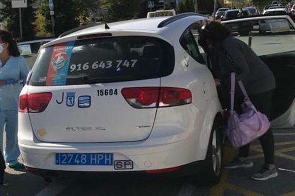 Nace una niña en un taxi a las puertas del Hospital de Fuenlabrada